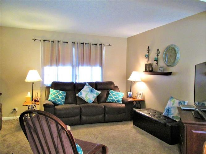 8112 E 20TH Street Indianapolis IN 46219 | MLS 21697645 | photo 17