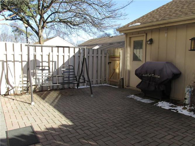 8112 E 20TH Street Indianapolis IN 46219 | MLS 21697645 | photo 6