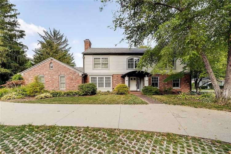 8162 Round Hill Court Indianapolis IN 46260 | MLS 21697703 | photo 1