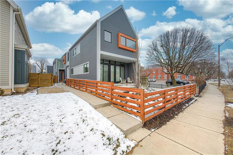 1619 N Alabama Street Indianapolis IN 46202 | MLS 21697769 | photo 1