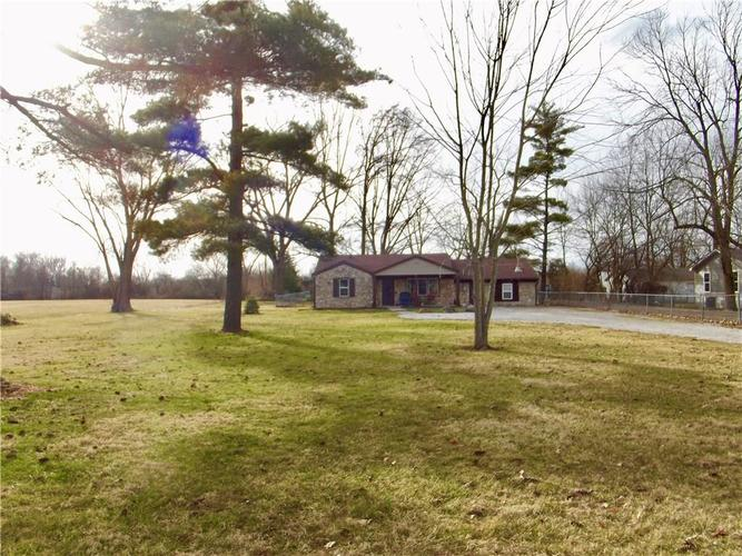 7020 Mann Road Indianapolis IN 46221 | MLS 21697774 | photo 1