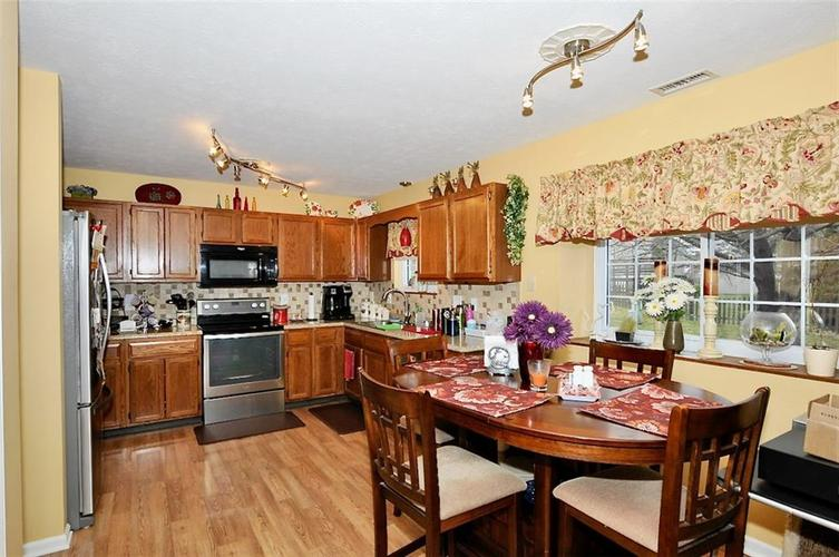 7540 Dry Branch Court Indianapolis IN 46236   MLS 21697801   photo 9