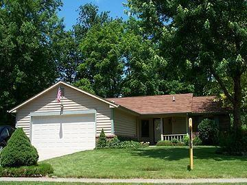 8532 W SCARSDALE Drive Indianapolis IN 46256   MLS 21697816   photo 1