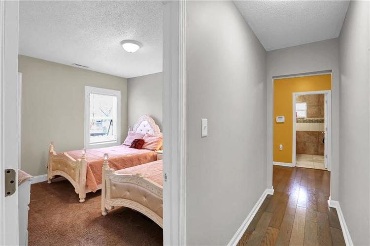 9656 E 38TH Street Indianapolis IN 46235 | MLS 21698000 | photo 11