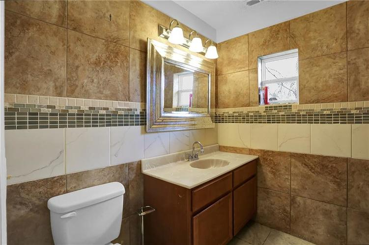 9656 E 38TH Street Indianapolis IN 46235 | MLS 21698000 | photo 20