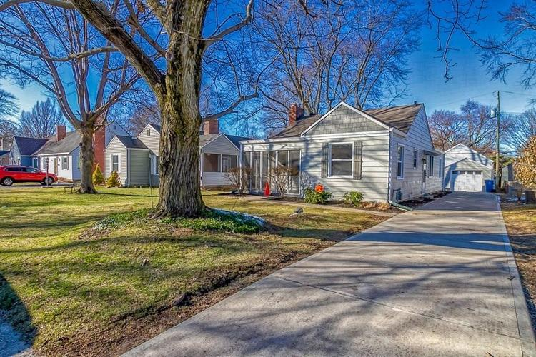 2602 DELL ZELL Drive Indianapolis IN 46220 | MLS 21698031 | photo 2
