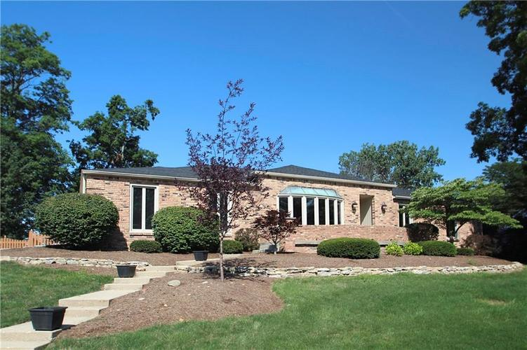 10714 Lakeview Drive Carmel IN 46033 | MLS 21698131 | photo 1