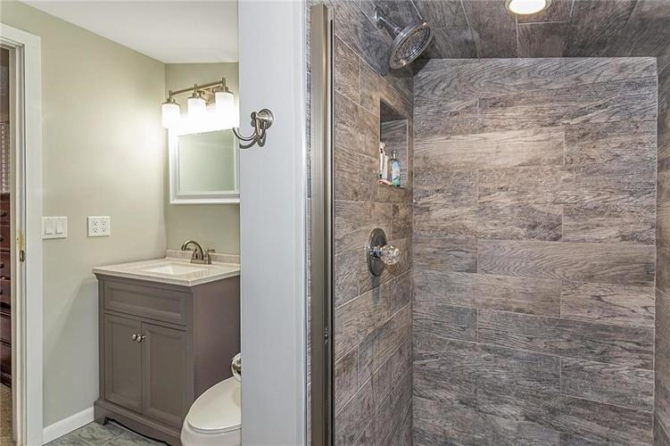 6025 Kingsley Drive Indianapolis, IN 46220 | MLS 21698153 | photo 26