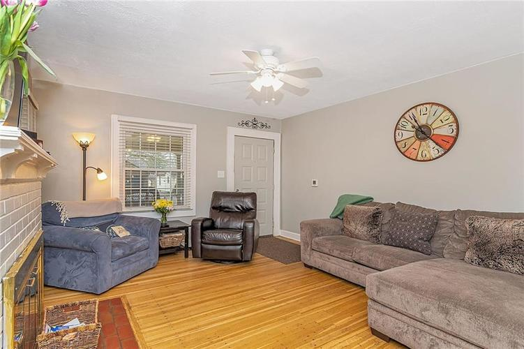 6025 Kingsley Drive Indianapolis, IN 46220 | MLS 21698153 | photo 5