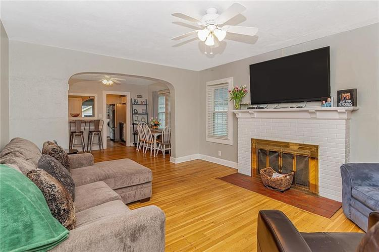 6025 Kingsley Drive Indianapolis, IN 46220 | MLS 21698153 | photo 6
