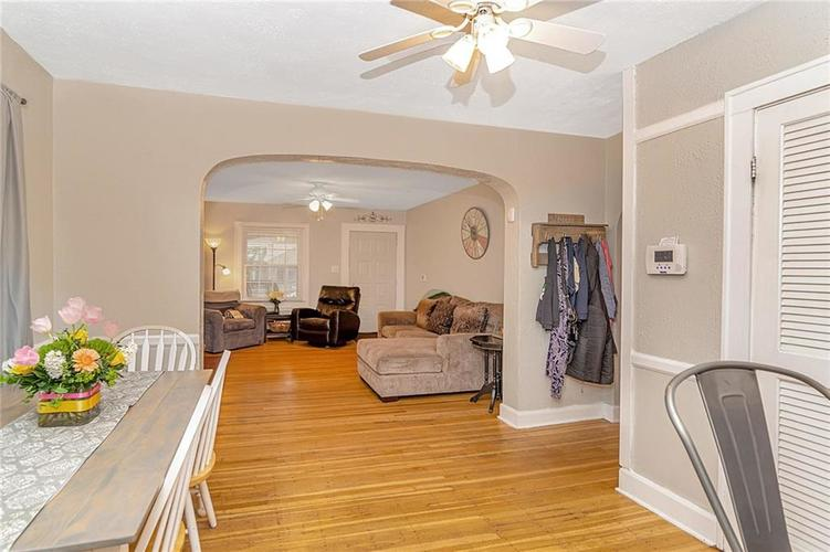 6025 Kingsley Drive Indianapolis, IN 46220 | MLS 21698153 | photo 7