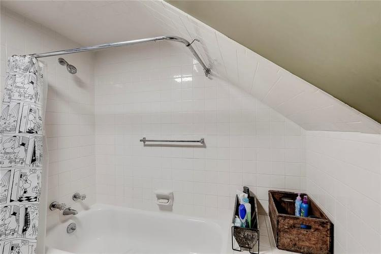 2796 Sycamore Street Columbus IN 47201 | MLS 21698206 | photo 23