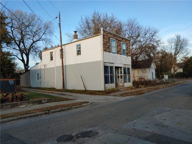 1620 W New York Street Indianapolis IN 46222 | MLS 21698226 | photo 2