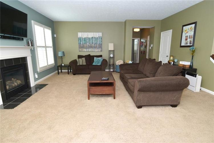 8712 New Heritage Drive Indianapolis IN 46239 | MLS 21698293 | photo 11