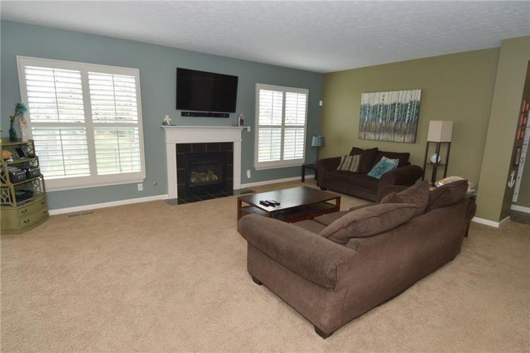 8712 New Heritage Drive Indianapolis IN 46239 | MLS 21698293 | photo 12