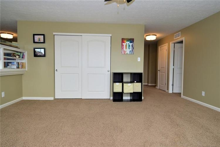 8712 New Heritage Drive Indianapolis IN 46239 | MLS 21698293 | photo 24