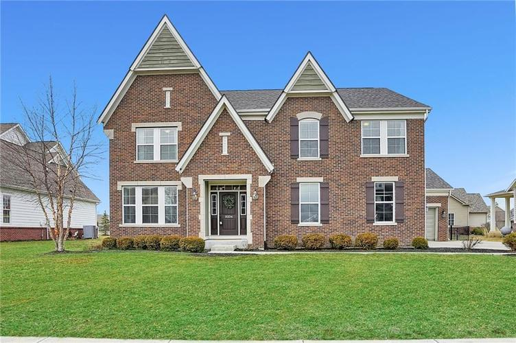 9204 Brookstone Place Zionsville, IN 46077 | MLS 21698446 | photo 1