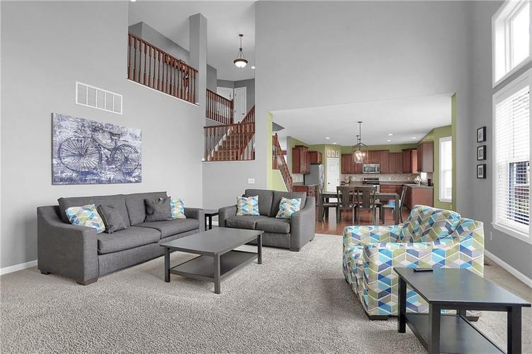 9204 Brookstone Place Zionsville, IN 46077 | MLS 21698446 | photo 17
