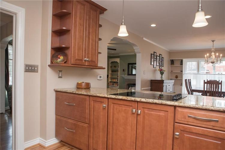 5551 N CENTRAL Avenue Indianapolis IN 46220 | MLS 21698483 | photo 18