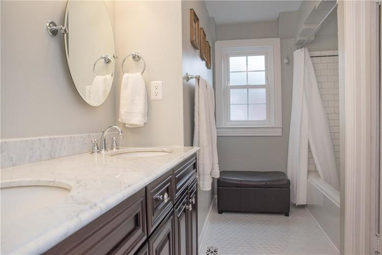 5551 N CENTRAL Avenue Indianapolis IN 46220 | MLS 21698483 | photo 26