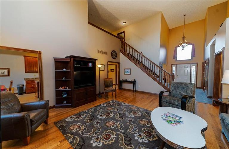 7946 Shady Woods Drive Indianapolis IN 46259   MLS 21698494   photo 13