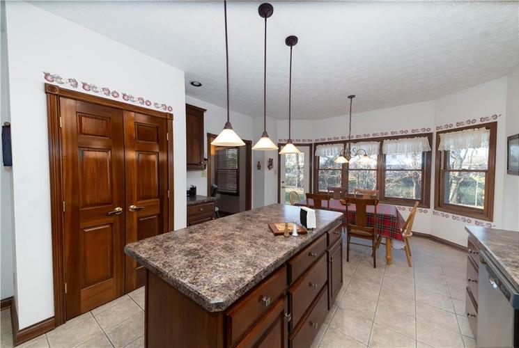 7946 Shady Woods Drive Indianapolis IN 46259   MLS 21698494   photo 16
