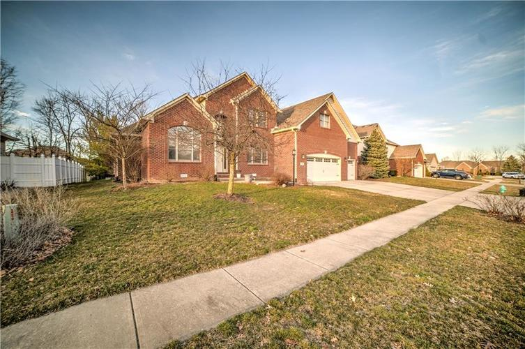 7946 Shady Woods Drive Indianapolis IN 46259   MLS 21698494   photo 39