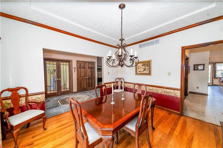 7946 Shady Woods Drive Indianapolis IN 46259   MLS 21698494   photo 7