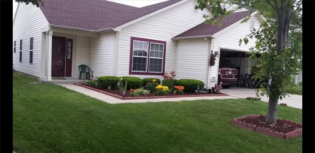 1132 Tealpoint Circle Indianapolis IN 46229   MLS 21698649   photo 1