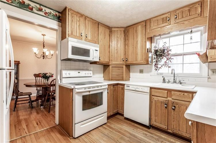 5110 E 74th Place Indianapolis IN 46250   MLS 21698694   photo 7