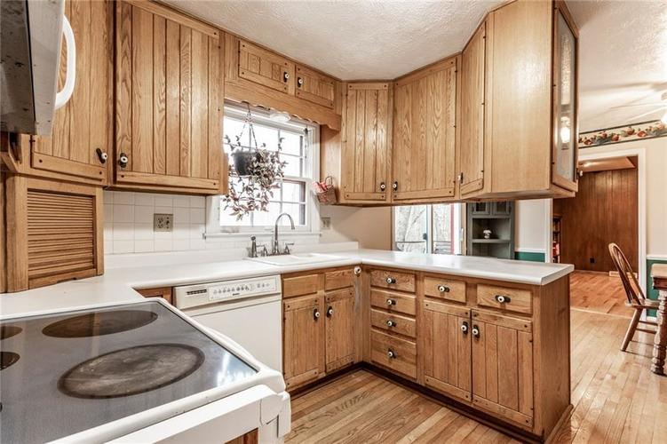 5110 E 74th Place Indianapolis IN 46250   MLS 21698694   photo 8