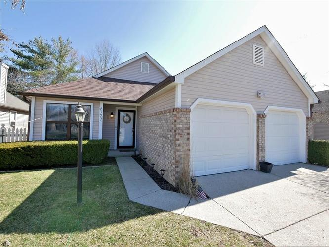 6727 Limerick Court Indianapolis IN 46250 | MLS 21698751 | photo 1