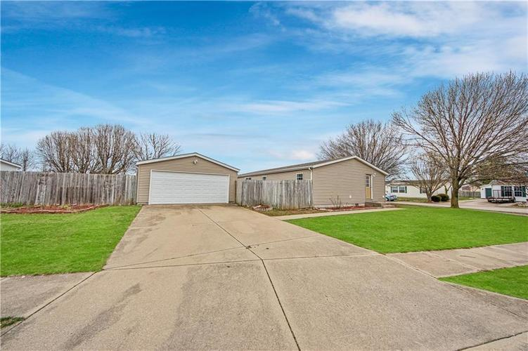 3336 Spring Valley Drive Columbus, IN 47203 | MLS 21698816 | photo 17