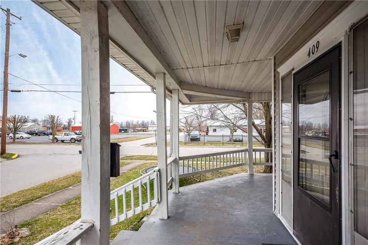 409 E Main Street Crothersville IN 47229 | MLS 21698844 | photo 4