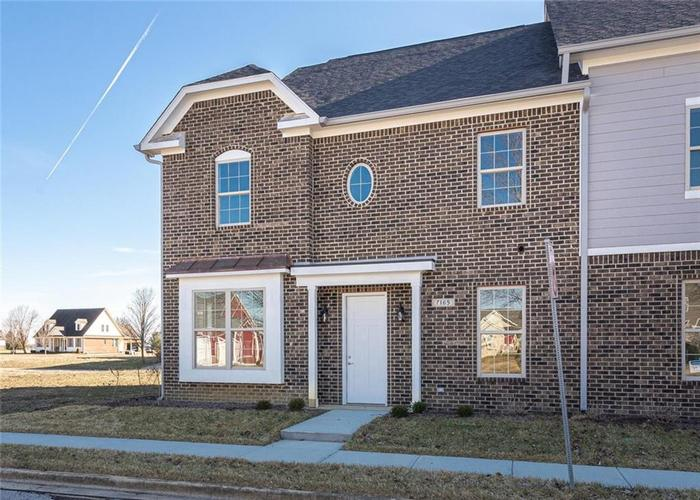 7165 Governors Row Avon, IN 46123 | MLS 21698848 | photo 1