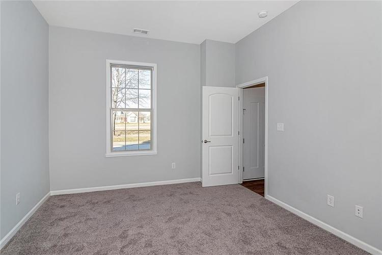 7165 Governors Row Avon, IN 46123 | MLS 21698848 | photo 16