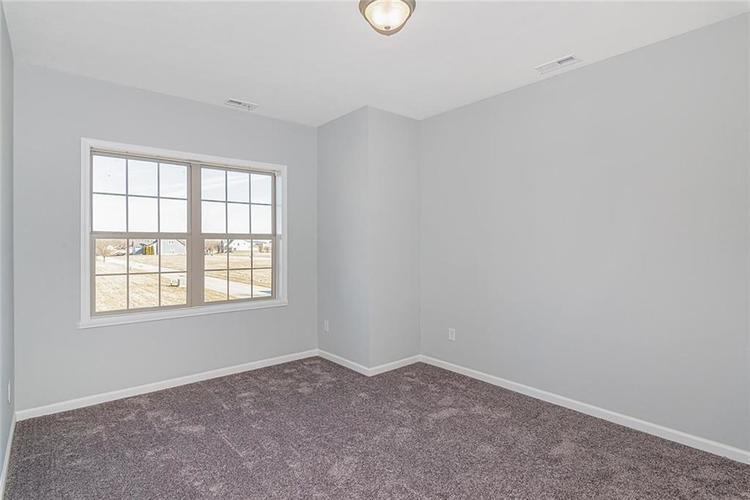 7165 Governors Row Avon, IN 46123 | MLS 21698848 | photo 18