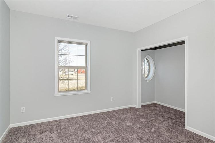 7165 Governors Row Avon, IN 46123 | MLS 21698848 | photo 24