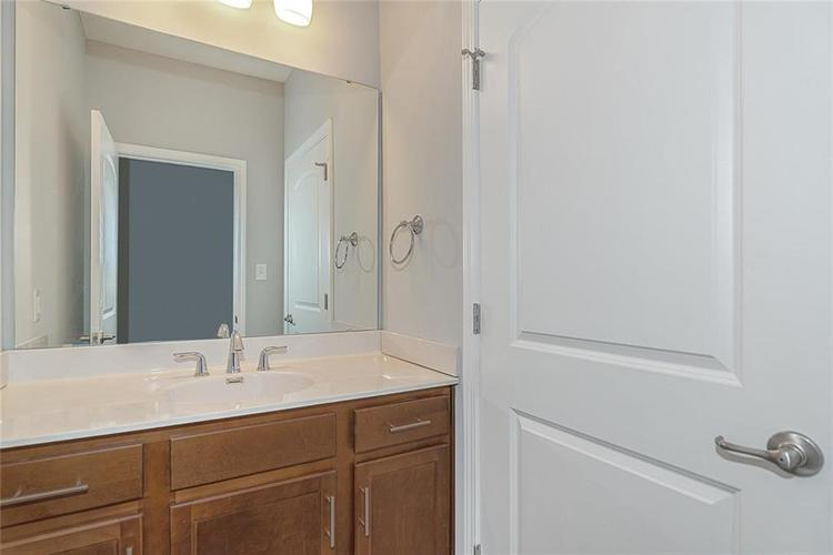 7165 Governors Row Avon, IN 46123 | MLS 21698848 | photo 26