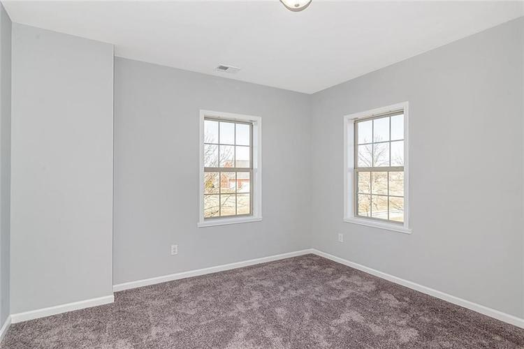 7165 Governors Row Avon, IN 46123 | MLS 21698848 | photo 28