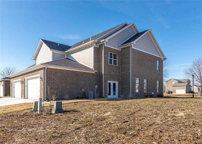 7165 Governors Row Avon, IN 46123 | MLS 21698848 | photo 30