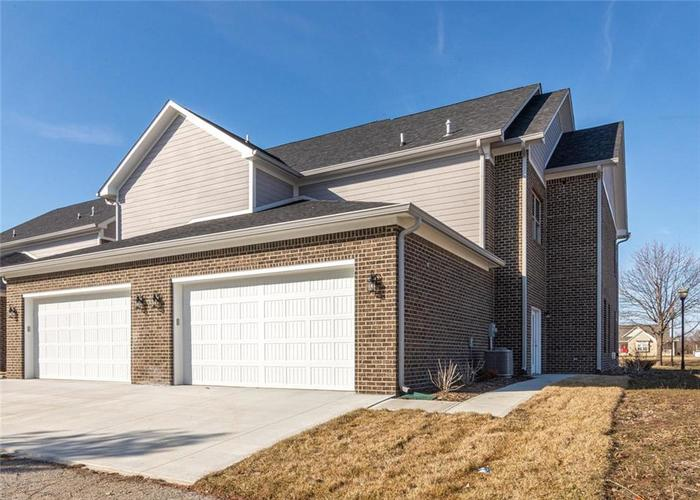 7165 Governors Row Avon, IN 46123 | MLS 21698848 | photo 31