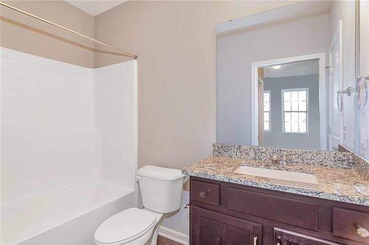 7153 Governors Row Avon, IN 46123 | MLS 21698851 | photo 15