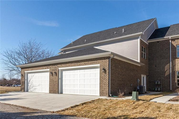 7153 Governors Row Avon, IN 46123 | MLS 21698851 | photo 28