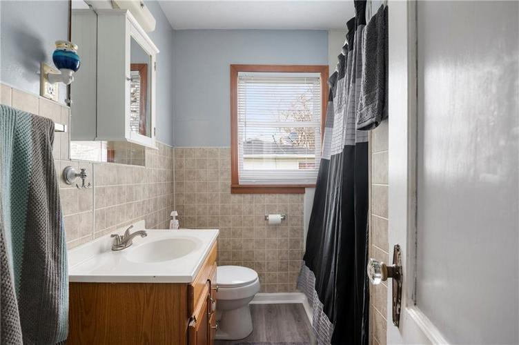 708 CHARLES Street Chesterfield IN 46017 | MLS 21698867 | photo 19