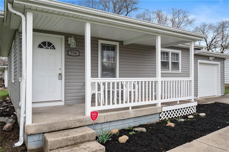708 CHARLES Street Chesterfield IN 46017 | MLS 21698867 | photo 4