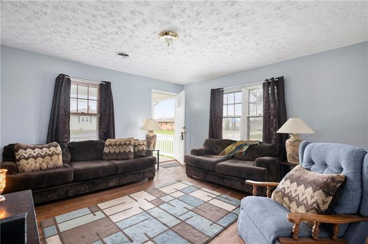 708 CHARLES Street Chesterfield IN 46017 | MLS 21698867 | photo 6