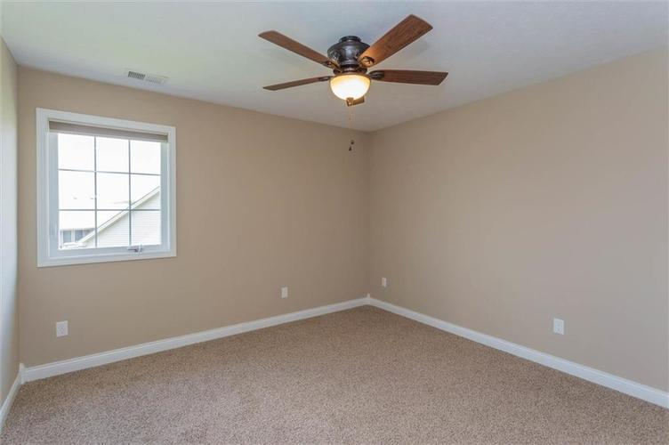 2716 Daffodil Court Columbus IN 47201 | MLS 21698927 | photo 18