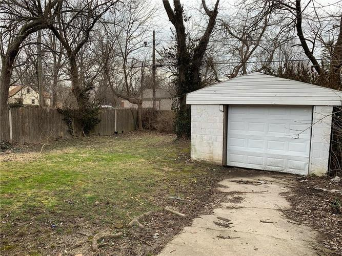 3557 Forest Manor Avenue Indianapolis IN 46218 | MLS 21698967 | photo 15