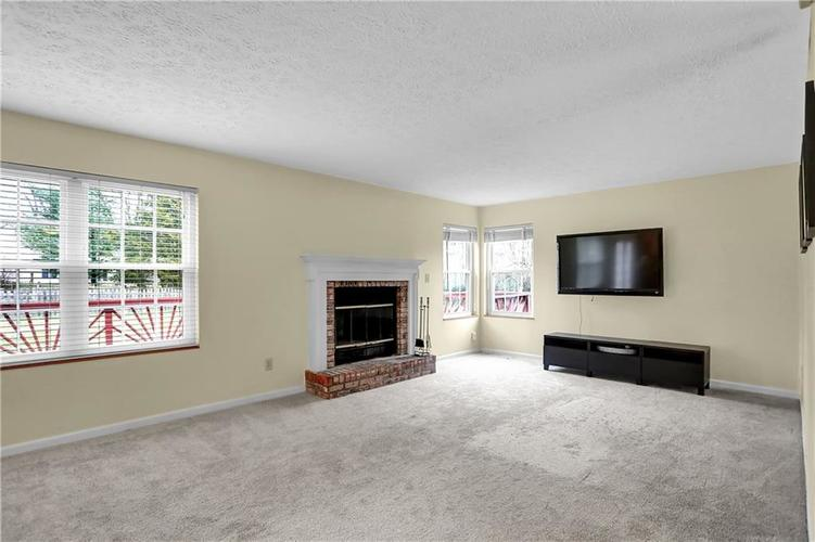 10683 NORTHFIELD Place Fishers, IN 46038 | MLS 21699052 | photo 12